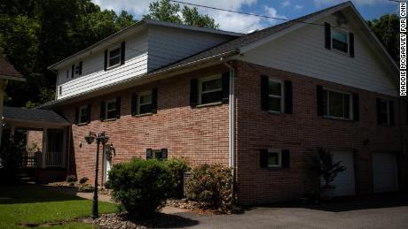 The home where Manchin was raised in Farmington.