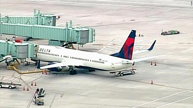 A passenger tried to breach the cockpit of a Delta flight to Nashville, forcing the plane to make an emergency landing
