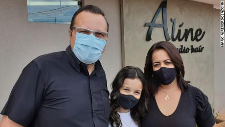 Jose Angelo Marx e sua família em Serrana em 25 de fevereiro.