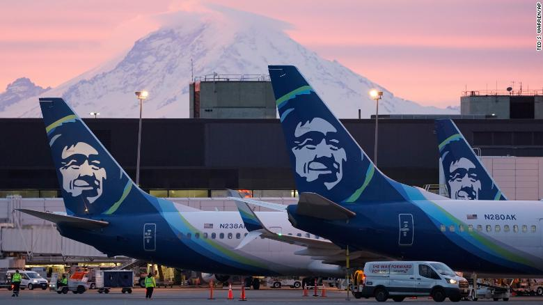 Alaska Airlines employee alleges the uniform policy discriminates against non-binary and gender non-conforming employees