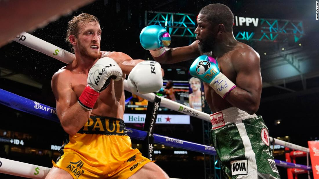 Floyd Mayweather and Logan Paul box for 8 rounds in exhibition pay-per-view fight – CNN