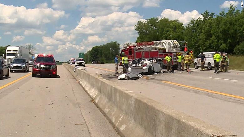4 children among 6 killed in a fatal wrong-way crash on Kentucky interstate