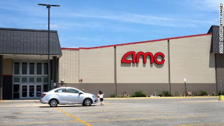 These AMC folks sold $8 million in stock during their booming week.