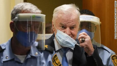 Ράτκο Μλάντιτς, Βοσνιακός χασάπης, & # 39;  Απώλεια έφεσης κατά καταδίκης γενοκτονίας