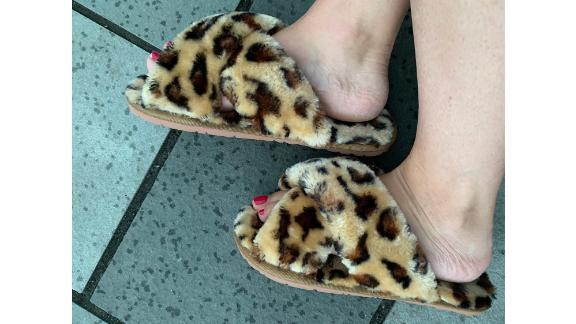 Halluci Cross Band Soft Plush Fleece Slippers