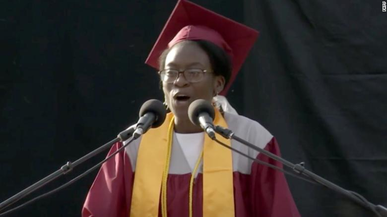 High school recipient of $40K scholarship asks that it be given to a community college student
