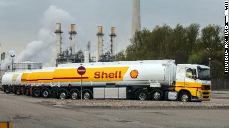 PDG de Shell: Nous réduirons les émissions plus rapidement, mais le monde doit utiliser moins de pétrole