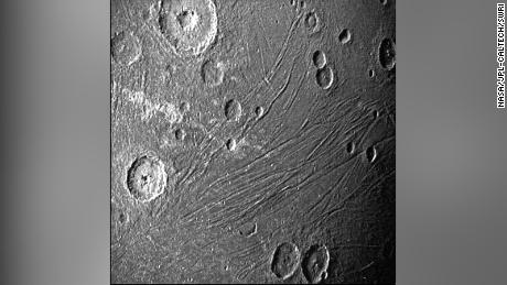 NASAのJuno使命は、一世代のみに最大木星の衛星の最初の近接撮影画像キャプチャ