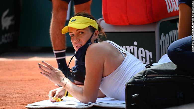 Anastasia Pavlyuchenkova menerima timeout medis selama set kedua