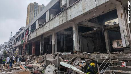 SHIYAN, June 13, 2021 Rescuers work at a gas pipe explosion site in Yanhu Community of Zhangwan District in Shiyan City, central China's Hubei Province, June 13, 2021.. A gas pipe explosion occurred in a residential community in Zhangwan District of Shiyan City, central China's Hubei Province, at around 6:30 a.m. on Sunday, according to local authorities.. The number of casualties is still being verified as the search and rescue is under way. (Credit Image: © Xinhua via ZUMA Press)