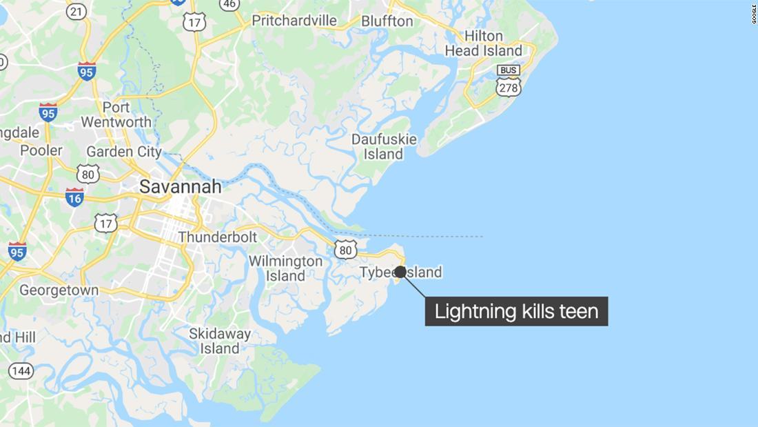 Lightning strike kills 15-year-old swimmer