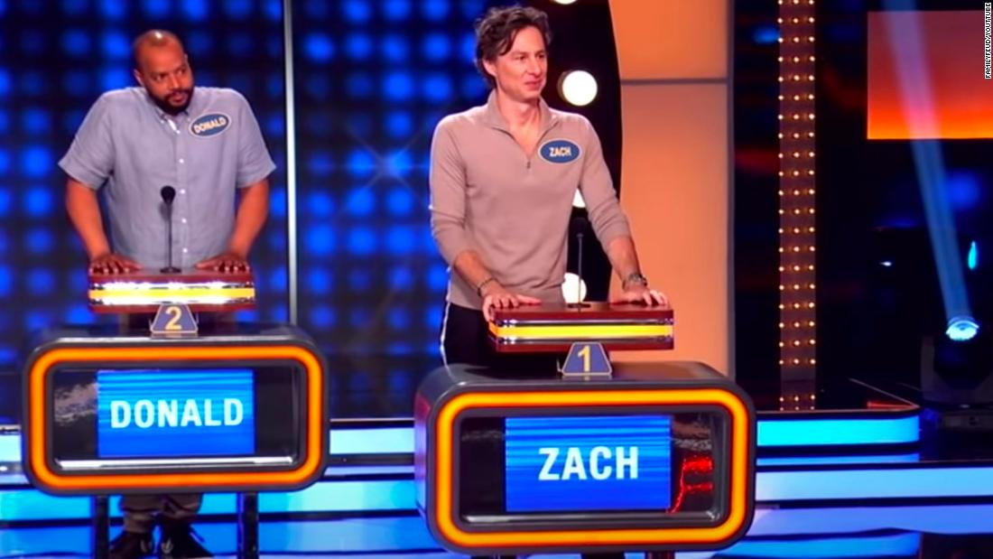 The cast of 'Scrubs' reunites on 'Celebrity Family Feud'