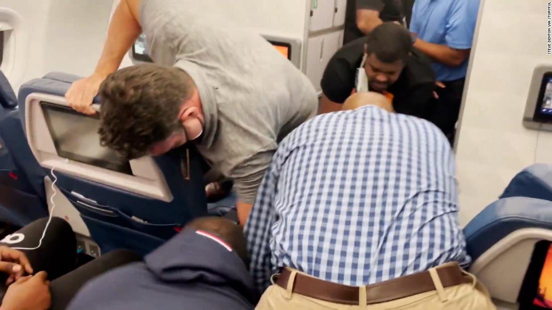 Off-duty flight attendant assaulted two crew members on flight