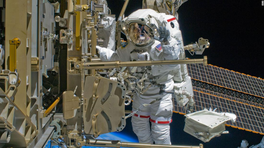 Technical problems prevent astronauts from installing new solar panels on space station – CNN