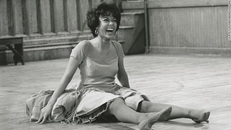 Rita Moreno shines in the documentary 'Just a Girl Who Decided to Go For It'
