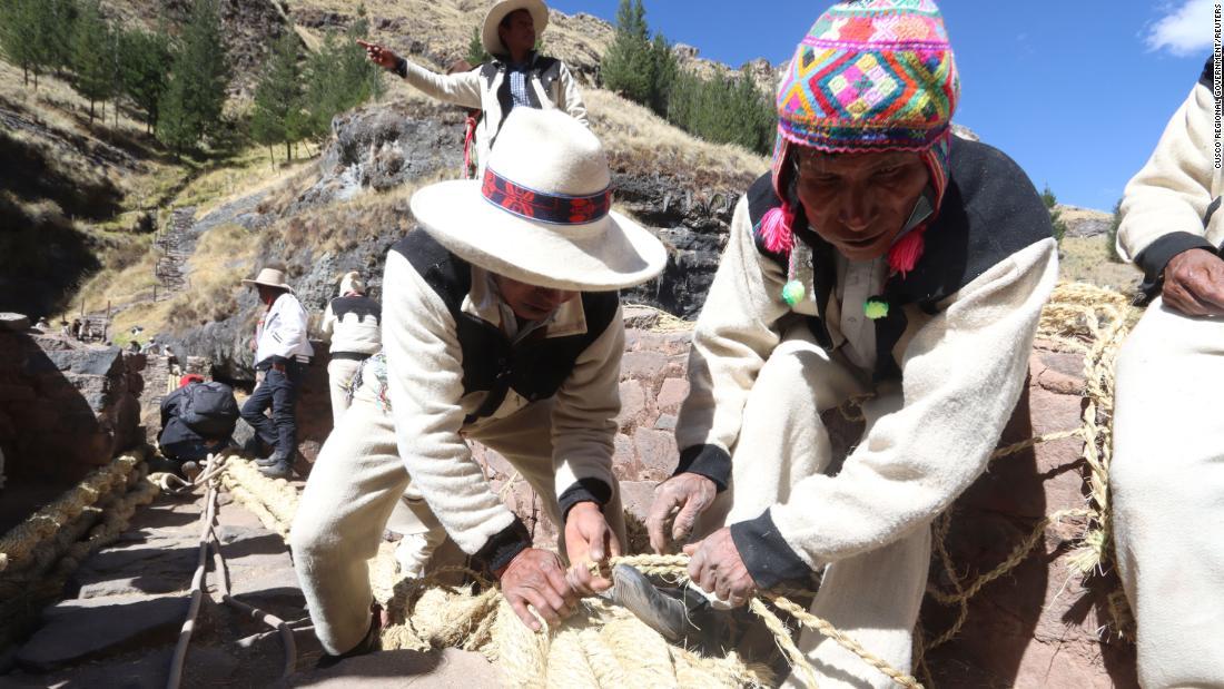 Peruvians rebuild ancient Inca bridge -- by weaving a new one