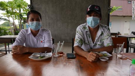 Su et Zaw, travailleurs migrants à Bangkok, Thaïlande en mai 2021.