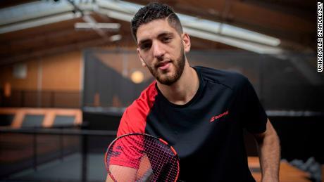 آرام محمود هو الآن واحد من 29 رياضيًا لاجئًا يتنافسون تحت العلم الأولمبي في أولمبياد 2020 ، بعد سنوات من اتخاذ القرار الصعب بمغادرة منزله.