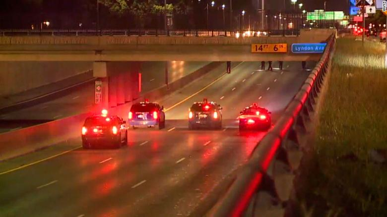 2-year-old killed, three others injured in two shootings on Detroit freeways
