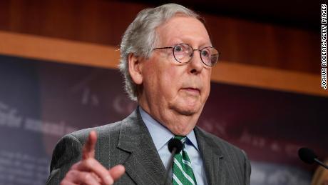 McConnell rejette la tentative des démocrates de récupérer le GOP pour relever le plafond de la dette du pays