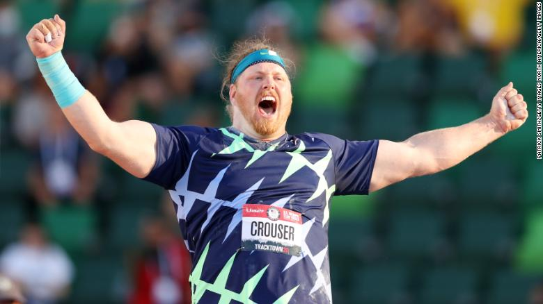 American Ryan Crouser breaks shot put world record