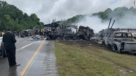 Witness describes aftermath of crash that left 9 children and 1 adult dead in Alabama