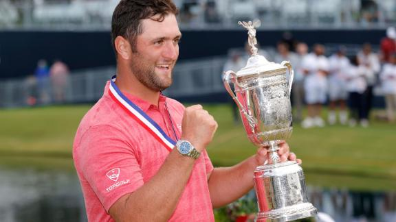 SAN DIEGO, CALIFORNIA - JUNE 20: Jon Rahm of Spain celebrates with the trophy after winning the final round of the 2021 U.S. Open at Torrey Pines Golf Course (South Course) on June 20, 2021 in San Diego, California. (Photo by Ezra Shaw/Getty Images)