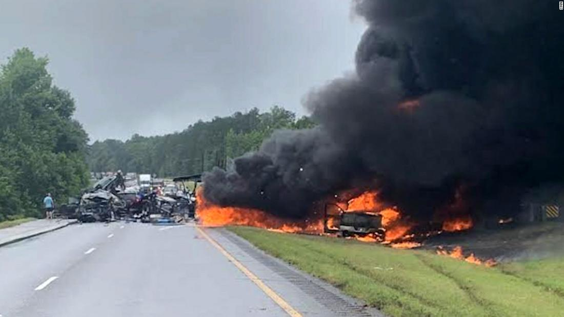 Tennessee father, his infant daughter and 8 other children were killed in a multi-vehicle crash on an Alabama highway