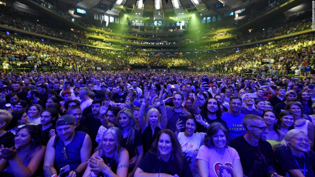 Foo Fighters play first capacity Madison Square Garden show since Covid – CNN
