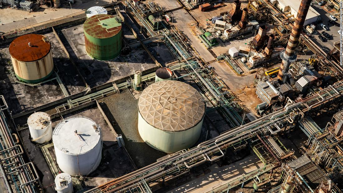 St. Croix refinery that rained oil on neighborhoods is shutting down indefinitely