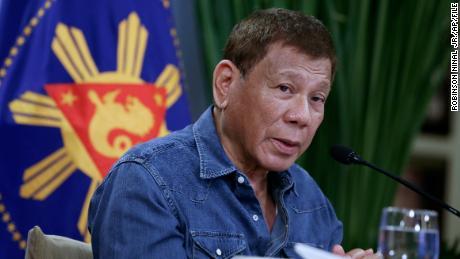 Presiden Filipina Rodrigo Duterte mengancam akan memenjarakan mereka yang menolak vaksin Covid-19