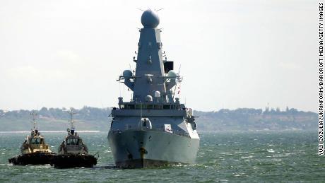 Russische Streitkräfte kollidieren mit britischem Kriegsschiff bei militärischer Begegnung am Schwarzen Meer
