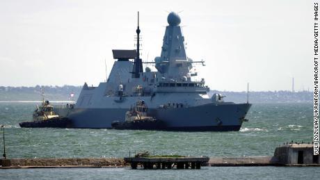 HMS Defender erreicht den Hafen von Odessa in der Südukraine.