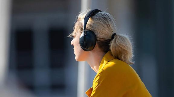 Refurbished Bose Noise-Canceling Headphones 700