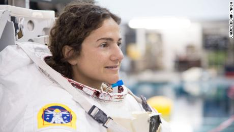 Astronaut Jessica Meir worked on the heart cell experiment while it was on the space station.