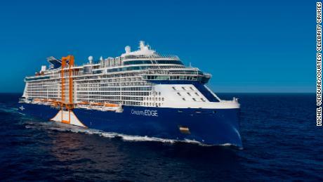 La Celebrity Edge è la prima nave da crociera a salpare da Port Everglades e dalle acque americane dopo la pandemia.