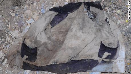 Un vêtement qui a été laissé sur les lieux du massacre à Mahibere Dego, Tigré.