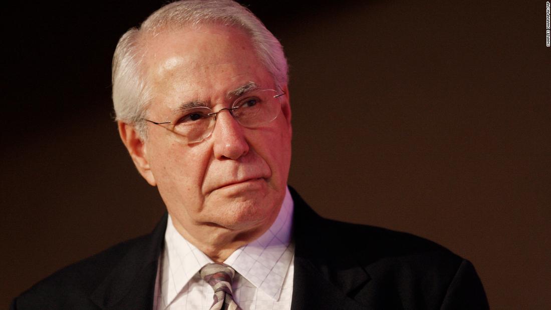 Former US Sen. Mike Gravel dies at 91