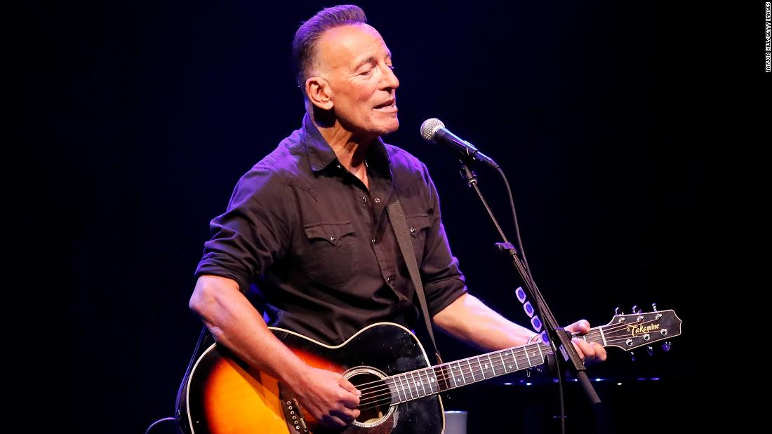 Bruce Springsteen reopens Broadway with first full-capacity show since pandemic