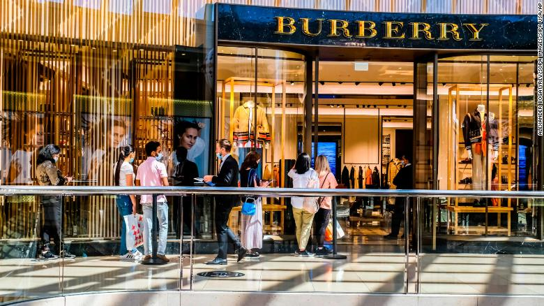 Burberry shares tumble after CEO resigns to join rival
