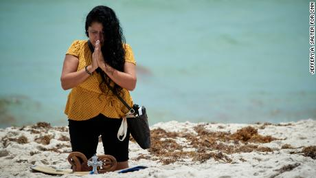 In Surfside, a grieving community comes together as hope fades for those trapped in building collapse