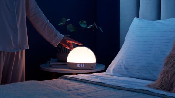 Hatch - Restore Sound Machine, Smart Light and Sleep Sounds - White
