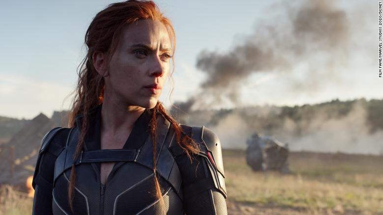 Scarlett Johansson sebagai Natasha Romanoff