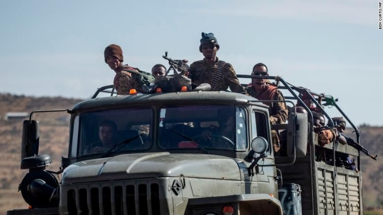 Ethiopian government soldiers on a road north of Mekelle on May 8.