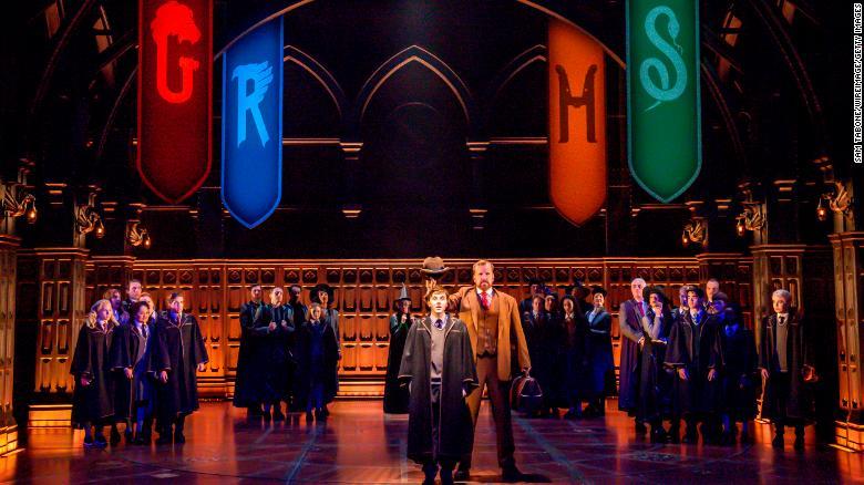 """Harry Potter dan Anak Terkutuk""  pertunjukan dilanjutkan setelah hampir satu tahun hiatus karena Covid19"