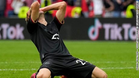 Thomas M ller dari Jerman merespons setelah kehilangan peluang saat pertandingan babak 16 besar Kejuaraan UEFA Euro 2020 antara Inggris dan Jerman.