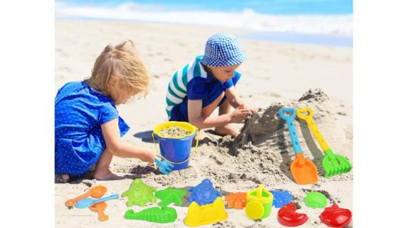 Click N Play 18-Piece Beach Sand Toy Set