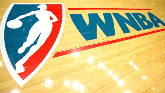 2 Jul 2000:  A view of the court WNBA Logo taken before a game between the Los Angeles Sparks and the Detroit Shock at the Great Western Forum in Inglewood, California.  The Sparks defeated the Shock 85-63. NOTE TO USER: It is expressly understood that the only rights Allsport are offering to license in this Photograph are one-time, non-exclusive editorial rights. No advertising or commercial uses of any kind may be made of Allsport photos. User acknowledges that it is aware that Allsport is an editorial sports agency and that NO RELEASES OF ANY TYPE ARE OBTAINED from the subjects contained in the photographs.Mandatory Credit: Danny Moloshok  /Allsport