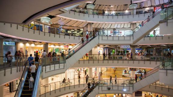 Você pode se refugiar em shoppings como o CentralWorld em Bangkok e passar um dia inteiro dentro de casa e nunca se entediar.