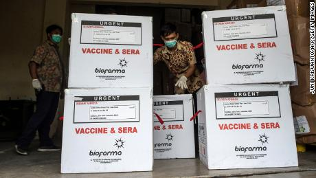 Cases of Sinovac vaccine in Surabaya as part of Indonesia's vaccination campaign.